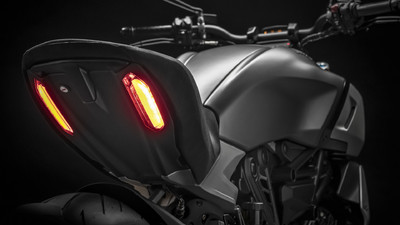 diavel-1260-s-my19-12-gallery-1920x1080.jpg