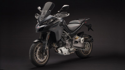 multistrada-1260-my18-black-27-slider-gallery-1920x1080.jpg